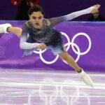 Медведева объяснила проигрыш Загитовой на Олимпиаде: доверилась тренерам