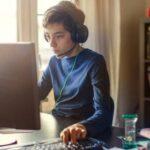Более трети детей играют в онлайн-игры с незнакомцами
